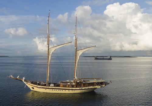 Private Vessel Yacht Catamaran Raja Ampat Marine Park